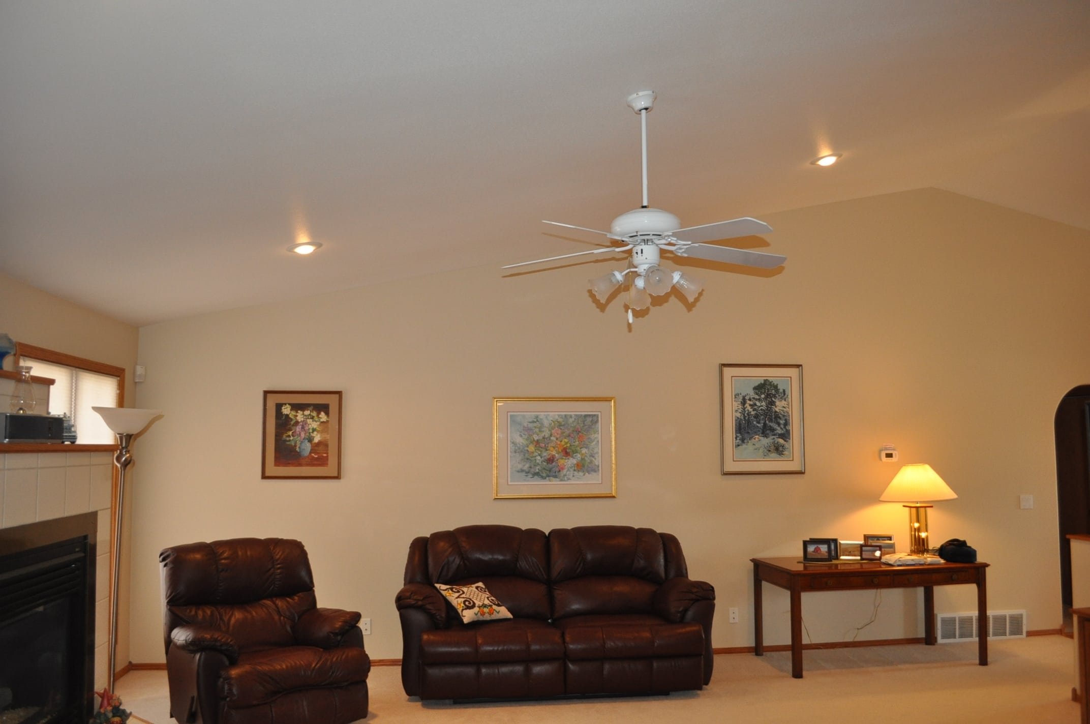 What does it cost to paint my family room in billings mt for Price for painting a room